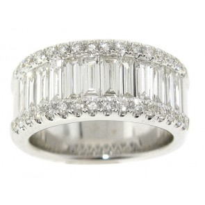 18K Baguette and Round Diamond Band
